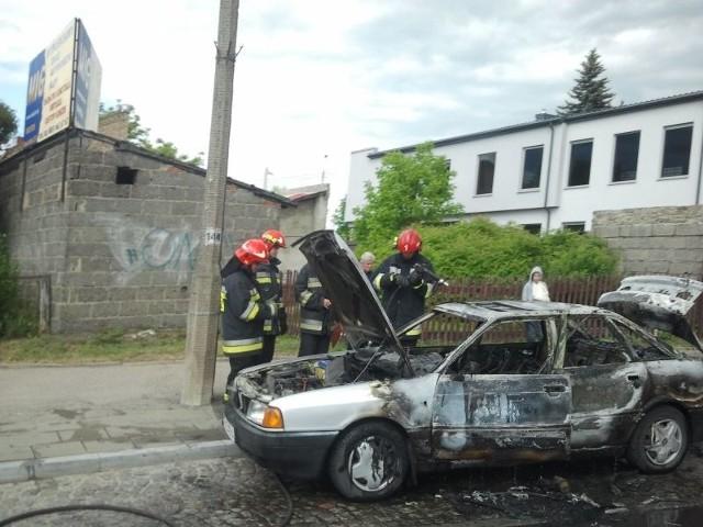 Internauta przysłał nam zdjęcie spalonego audi na ul. Baranowickiej