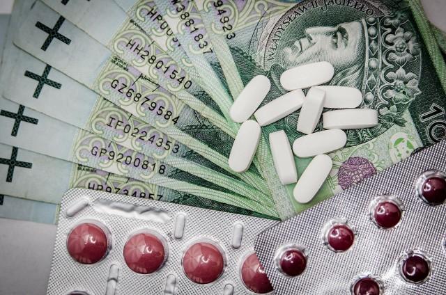 Zobacz najczęściej kupowane leki w Polsce wg grup ATC – wg liczby opakowań! Kliknij w strzałkę, aby przejść do kolejnych grup leków. Zaczynamy od miejsca 15.