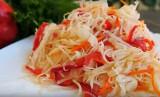 Kiszonki z warzyw wspomogą odporność w okresie jesienno-zimowym. Jakie warzywa warto włożyć do słoika?