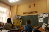 Krzyże w szkołach. Wróciła dyskusja o krzyżach w salach lekcyjnych za sprawą Donalda Tuska. Komentują podlascy politycy i dyrektorzy