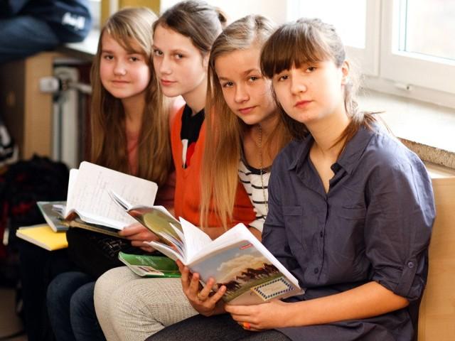 pisały w czwartek uczennice Szkoły Podstawowej nr 45 w Białymstoku
