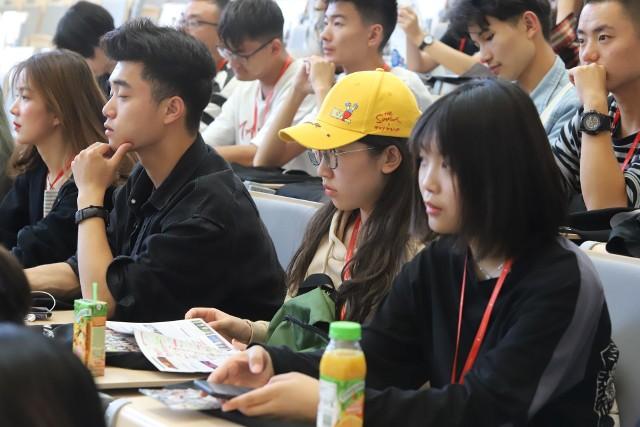 To m.in. dzięki szkołom letnim Chińczycy decydują się potem na opłacanie pełnego programu anglojęzycznych studiów w UŁ