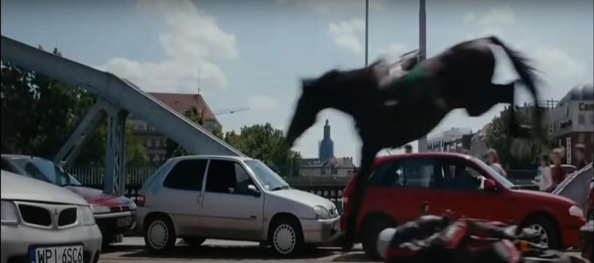 """Akcja filmu """"Plagi Breslau"""" rozgrywa się we Wrocławiu. W..."""