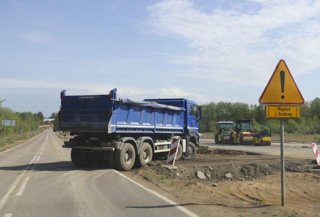 Budowa nieco ponad kilometrowego odcinka obwodnicy Obornik jest dopiero pierwszym krokiem do udrożnienia ruchu w mieście.