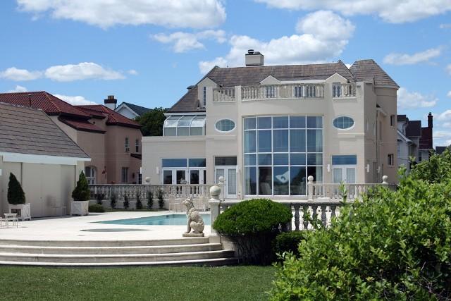 Polska architekt projektuje domy dla najbogatszych (WIDEO)Polska architekt projektuje domy dla najbogatszych (WIDEO)