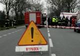 Śmiertelny wypadek pod Środą Wielkopolską. W Sulęcinie zginął kierowca auta, które dachowało