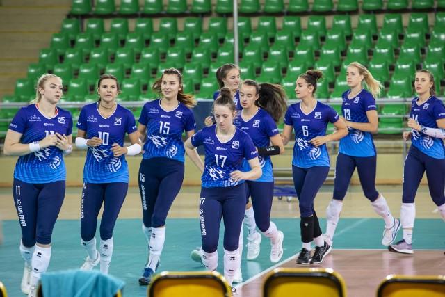 Siatkarki Pałacu Bydgoszcz rozpoczęły przygotowania do nowego sezonu.Na kolejnych stronach zdjęcia z pierwszego treningu>>>