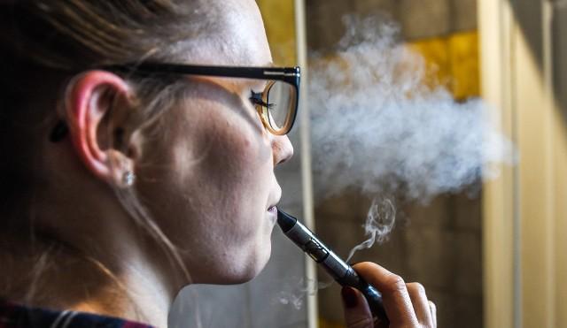 Po wprowadzeniu akcyzy na płyny do elektronicznych papierosów Ministerstwo Finansów liczy na wpływy do budżetu państwa rzędu 75 mln zł rocznie.