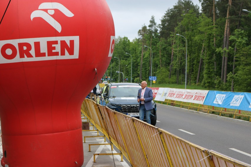 ORLEN Wyścig Narodów 2021 w Białymstoku. Wyścig wystartował! Ulice Białegostoku opanowane przez kolarzy [ZDJĘCIA]