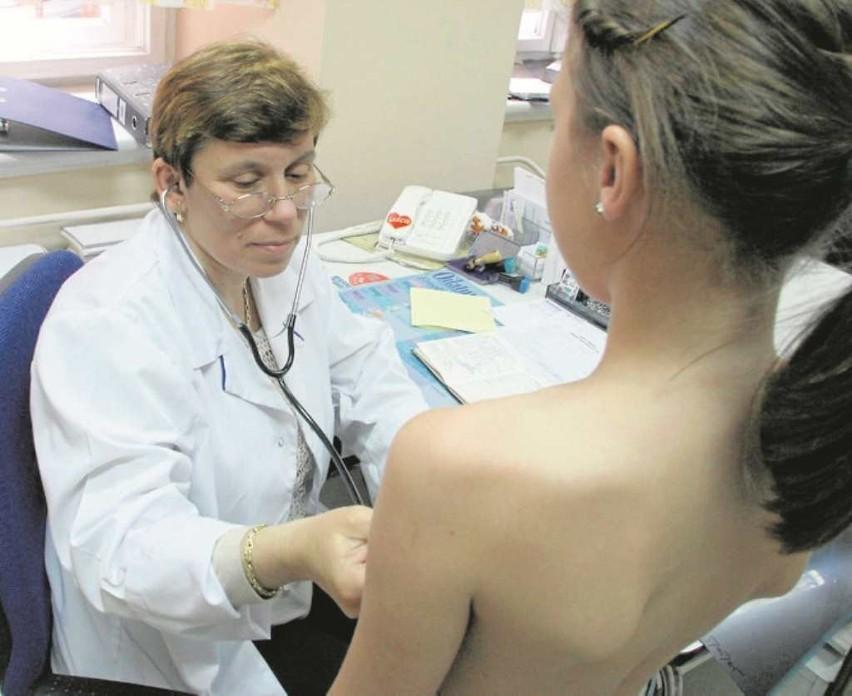 Dziś większość małych chorych korzysta z pomocy pediatrów