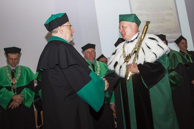 Z głęboką satysfakcją przyjmuję zaszczytny tytuł Doktora Honoris Causa Politechniki Białostockiej.