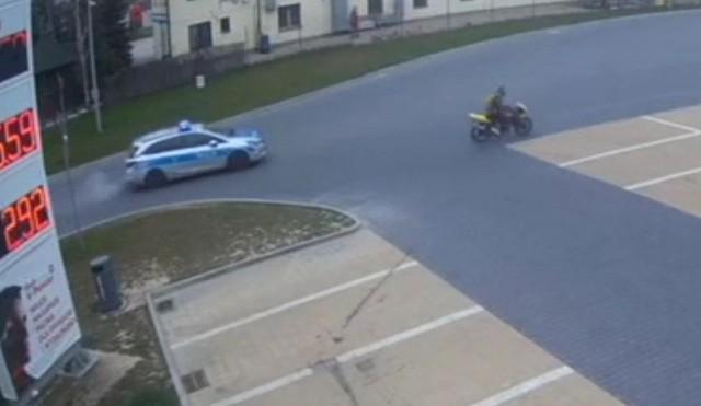 Motocyklista, który uciekał przed policją, nie miał kasku, ale miał narkotyki