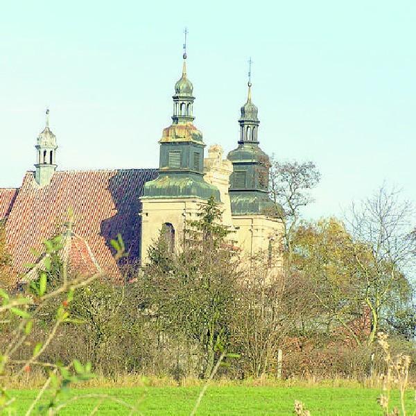 Barokowy kościół w Starogrodzie.