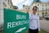 Koniec rekrutacji na główne kierunki Uniwersytetu Medycznego w Białymstoku. O jedno miejsce na medycynie walczyło 16 kandydatów [WIDEO]