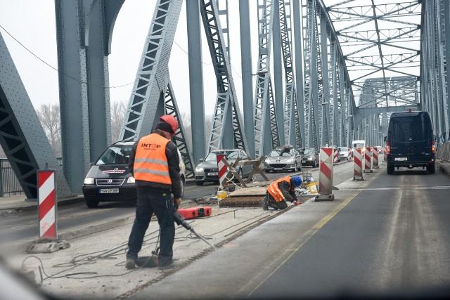 Remont toruńskiego mostu powinien się zakończyć w listopadzie tego roku