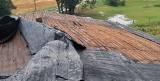 W Roztokach koło Sośna wiatr zerwał dach z budynków inwentarskich