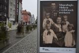Na Starym Rynku w Gorzowie Archiwum Państwowe postawiło wystawę ze zdjęciami mieszkańców