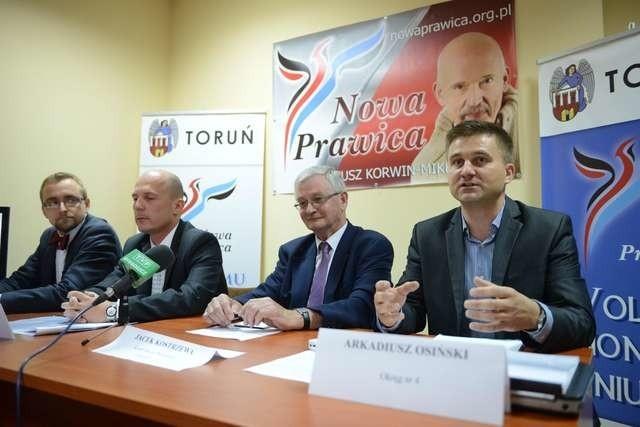 Kandydaci Nowej Prawicy chcą uzdrowić budżet Torunia. Jacek Kostrzewa (drugi z prawej) jest kandydatem partii na prezydenta miasta