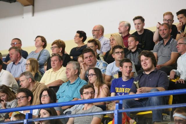 Mecz   GKS-u Katowice z Indykpolem AZS Olsztyn. W hali w Szopienicach tłumów nie było, ale kibice oglądali ciekawe spotkanie