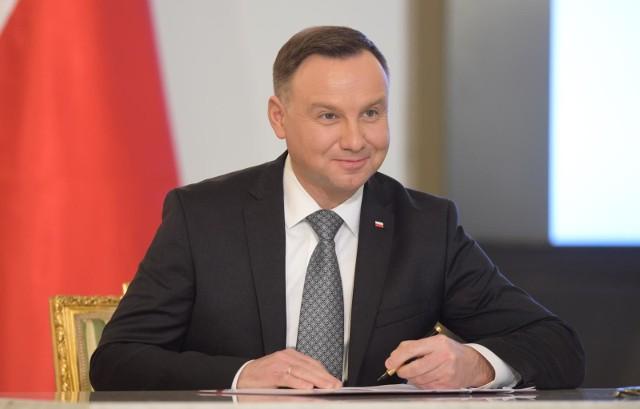 Prezydent Andrzej Duda podpisał 30 stycznia 2018 r. ustawę wprowadzającą kolejne ograniczenia w sprzedaży i spożywaniu alkoholu