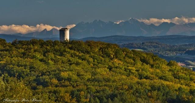 Panorama Tatr i Zamek Lipowiec z Pogorzyc
