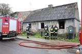 Kołbaskowo: Tragiczny pożar budynku jednorodzinnego. W spalonym domu strażacy znaleźli zwłoki mężczyzny