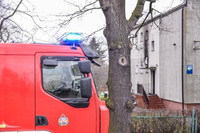 Strażacy zabezpieczyli miejsce zdarzenia, odłączyli instalację elektryczną, a także oddymili pomieszczenie.