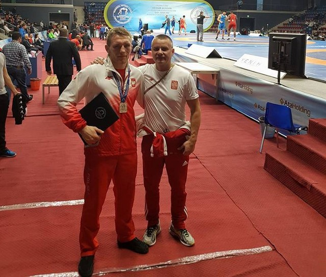 Tadeusz Michalik razem z trenerem Andrzejem Maksymiukiem.