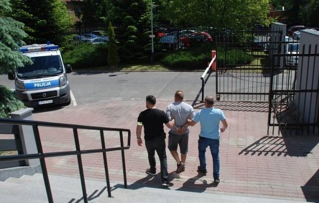Mężczyzna, który miał zaatakować ekologów w Bieszczadach, trafił do więzienia.