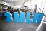 Huczne powitanie trzymilionowego pasażera na wrocławskim lotnisku. Przyleciał z Meksyku [ZDJĘCIA]
