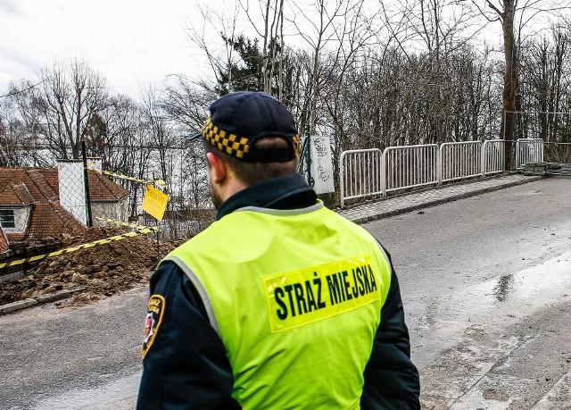 Straż miejska przekonała 6-latka, żeby wrócił do matki.