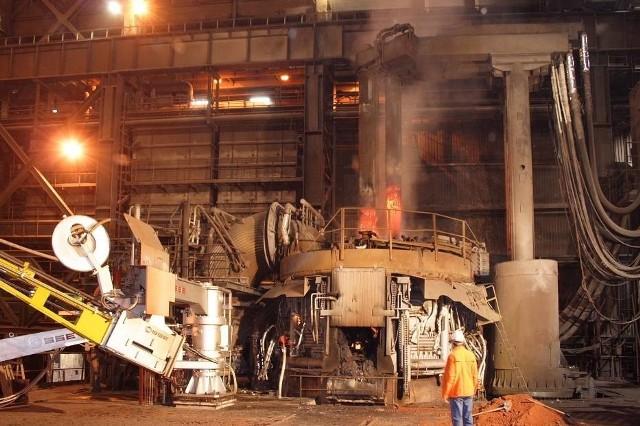 Stalownia ISD Huty Częstochowa wznowi produkcję. 150 miejsc pracyW ISD Hucie Częstochowa pracuje 1000 osób. W październiku ubiegłego roku skończył się pakiet socjalny, który dawał załodze dziesięcioletnie gwarancje zatrudnienia i niezmienności stanowiska pracy.