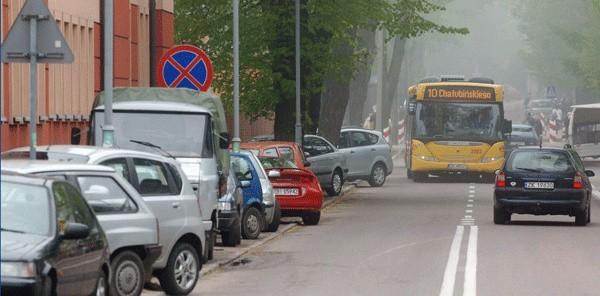 """""""Zaparkowana"""" ul. Chałubińskiego w Koszalinie."""