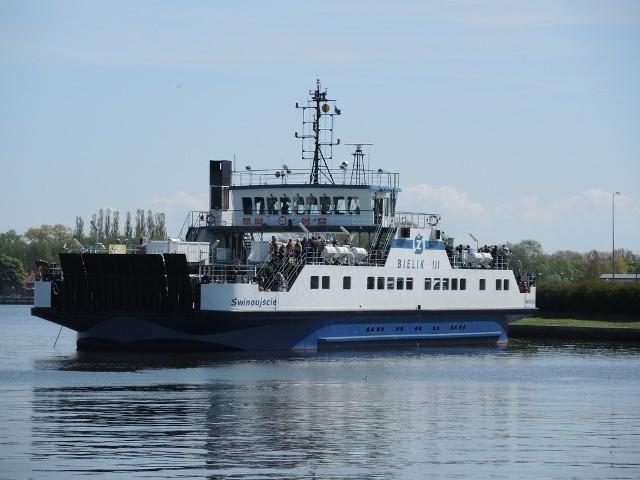 Bielik III stanął na środku kanału portowego. Przyczyną była awaria w siłowni.