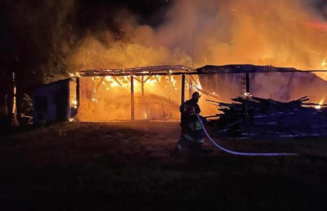 Pożar w Bielsku! Paliły się stodoła i poddasze budynku gospodarczego