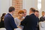 W kolejkach po emerytury 1 października stanie ponad 330 tysięcy Polaków