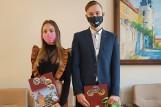 Gratulacje od władz Kcyni dla Marceliny Woźniak i Kacpra Gieryka