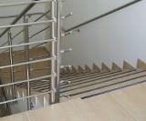 Co zastosować na schody, żeby nie były śliskie