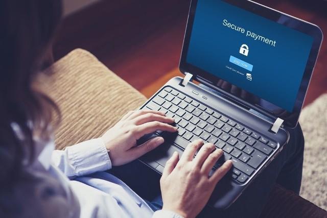 Jak zabezpieczyć sklep internetowy przed cyberatakami?Zakupy w sklepach internetowych wybiera 54 proc. polskich internautów, a szacunkowa wartość rynku w 2015 roku może wynieść nawet 27 mld zł