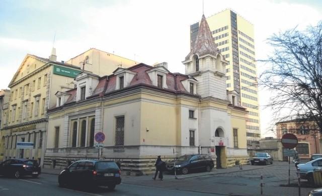 Wydział Postępowań Administracyjnych Komendy Wojewódzkiej Policji w Łodzi mieści się w tym budynku przyul. Sienkiewicza.