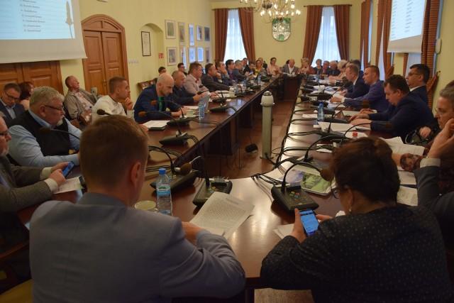Rada miasta na wtorkowej sesji rady odrzuciła uchwałą, dotyczącą budowy pomnika ks. Kazimierza Michalskiego