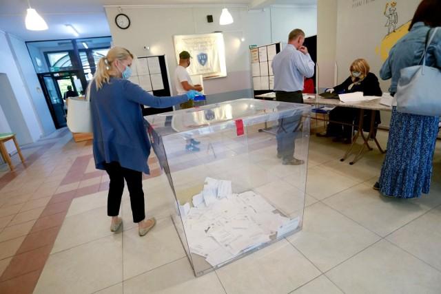 Wybory prezydenckie 2020. Frekwencja do godziny 12. Ile osób zagłosowało?