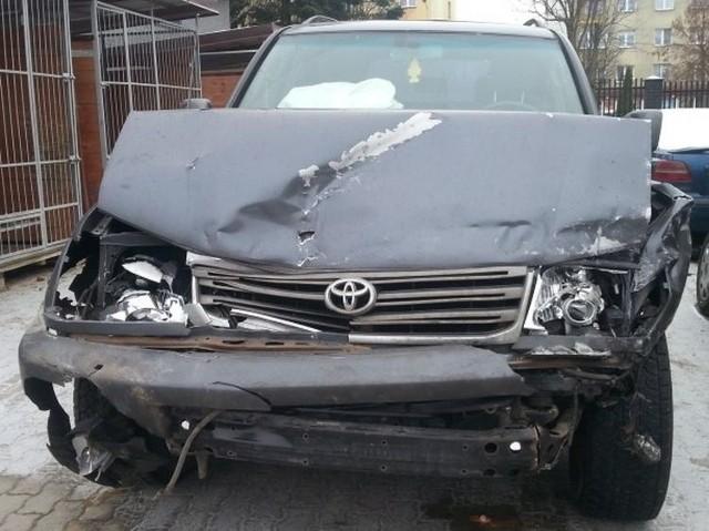 49-letnia kobieta zginęła w miejscowości Zucielec. Kierowca toyoty przeżył.