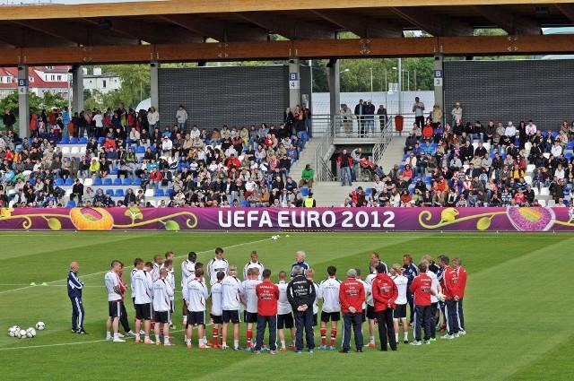 Stadion w Kołobrzegu był bazą reprezentacji Danii przed Euro 2012. Rok wcześniej odbyły się tam eliminacje mistrzostw Europy u-19.