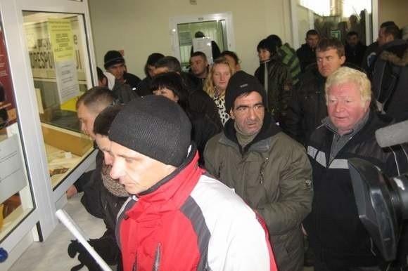 W ramach protestu kupcy okupowali biuro podawcze urzędu, składając swoje petycje do władz Nysy.