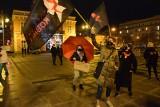Częstochowa: Strajk Kobiiet na Placu Biegańskiego. Zebrało się kilkadziesiąt osób. Protestujący podkreślali rolę wolnych mediów