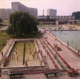 Lato na basenach w Rzeszowie. Zobacz zdjęcia sprzed lat
