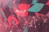 Zadyma na stadionie GKS Tychy. Policja szuka kibiców, którzy łamali prawo na meczu GKS - Widzew Łódź