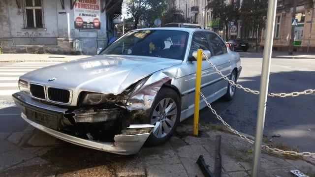 Auta zderzyły się na skrzyżowaniu ulic 30 Stycznia i Dąbrowskiego w Gorzowie