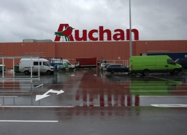 Do wypadku doszło na parkingu przed hipermarketem Auchan przy ulicy Hetmańskiej.